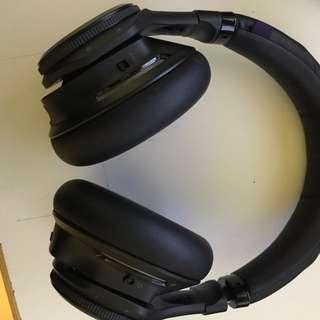 Plantronics Backbeat Pro Wireless noise canceling headphones