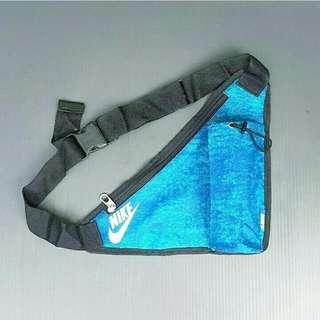 Tas Nike Slingbag Corak Blue Sky