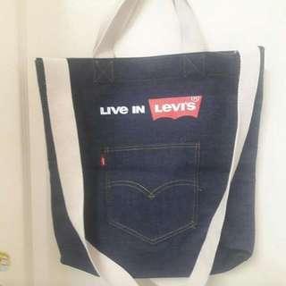 LevI's全新牛仔包
