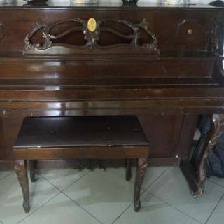 Lyric Piano! Vintage!