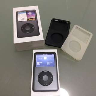 Apple iPod Classic 160GB with Belkin cases