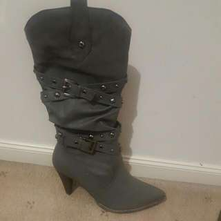 Brand New Grey Boots Size 6