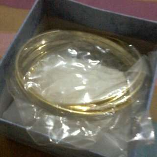 This 4 Pcs Gold Plated  ARM BRECELET