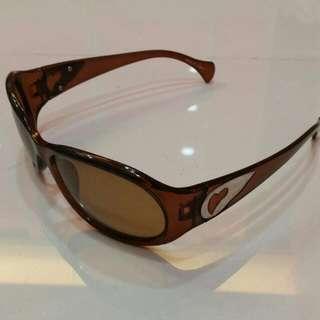 茶色太陽眼鏡