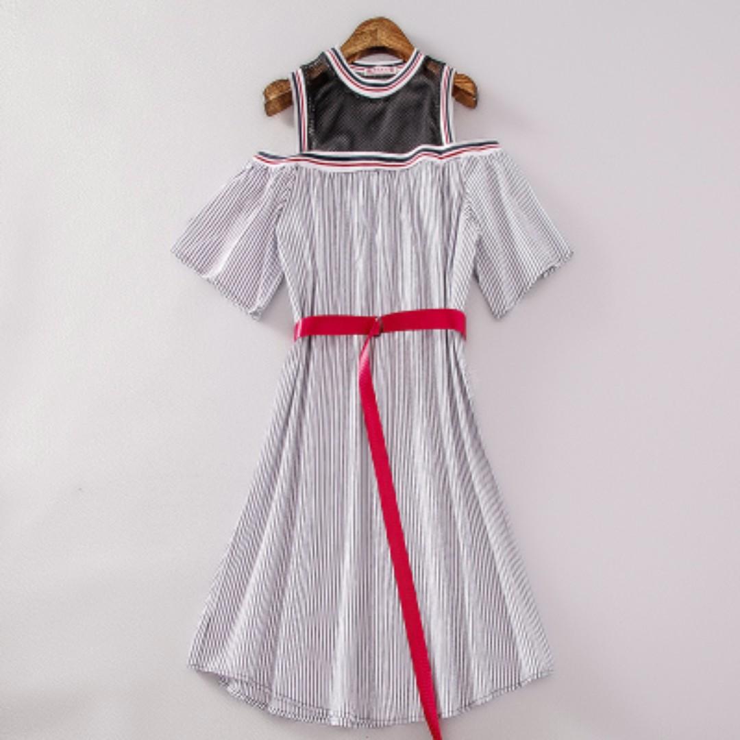 拼接露肩藍白條紋連衣裙女潮