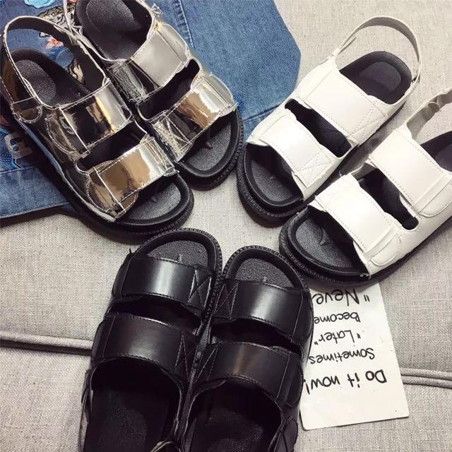 [孬]/三色極簡百搭皮革平底個性涼鞋/