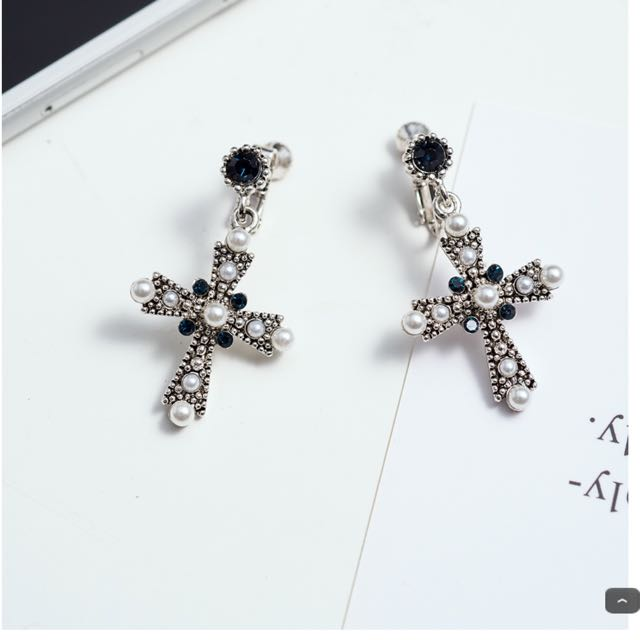 水鑽十字架夾式耳環