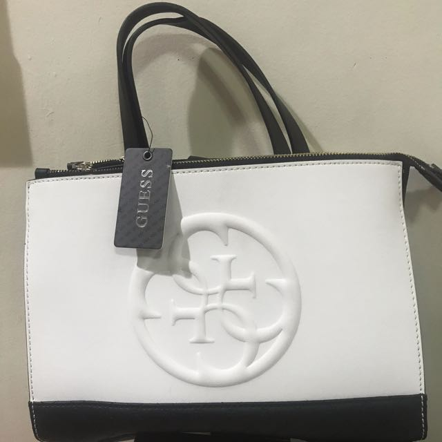 ade896e27ff Brand New Guess Korry Black And White Satchel Bag, Women s Fashion, Bags    Wallets on Carousell
