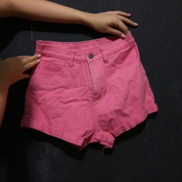 Celana Pendek