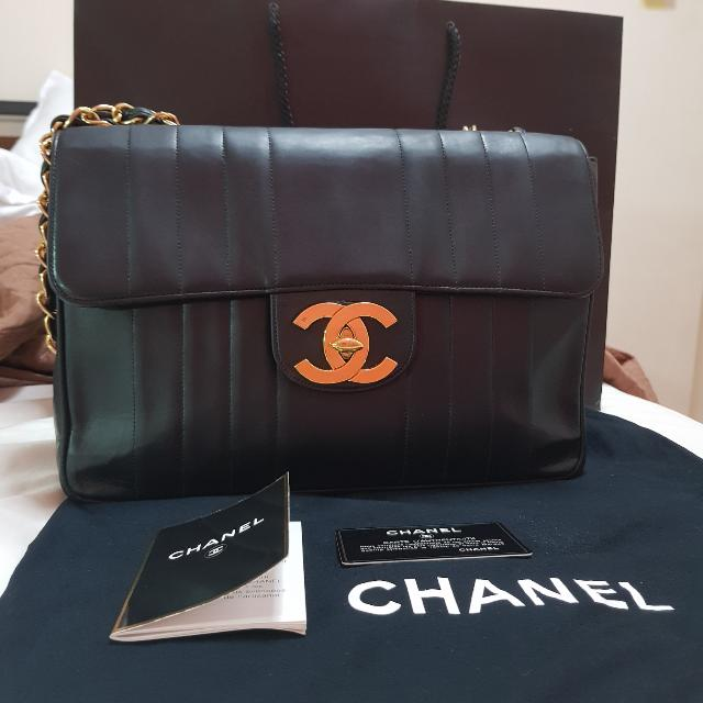 65d90e40ce47 Reduced to $2400! Chanel Jumbo Flap Bag Vintage Vertical Stitch on ...