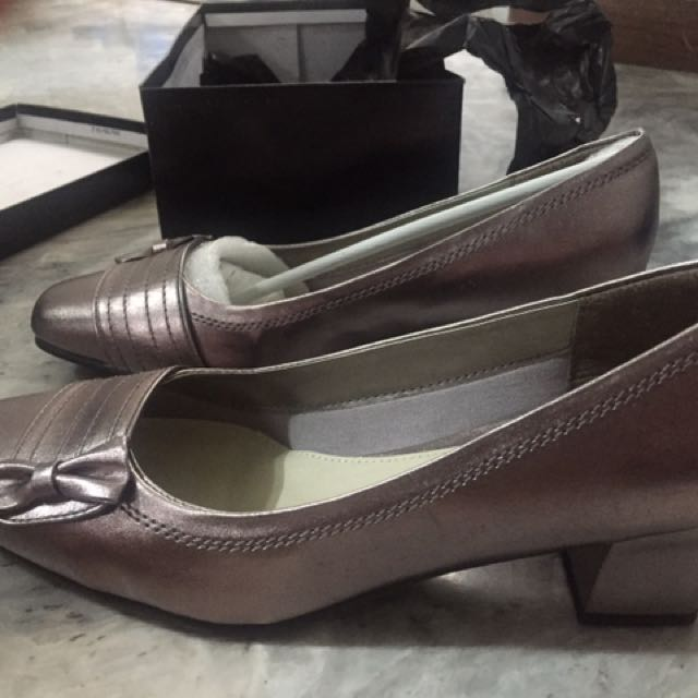 Closed Shoes With Heels