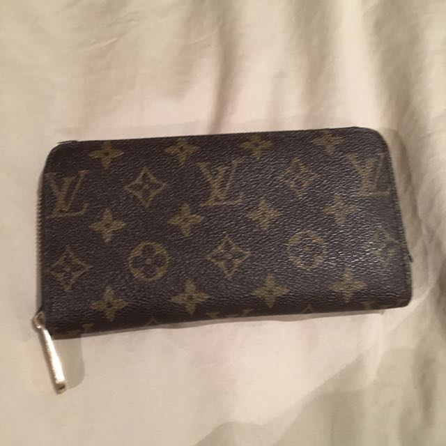 Faux Louis Vuitton Wallet