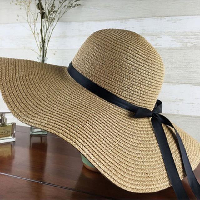 Floppy Beach Straw Hat // Topi Pantai Korea // Summer Hat, Olshop Fashion,  Olshop Wanita di Carousell