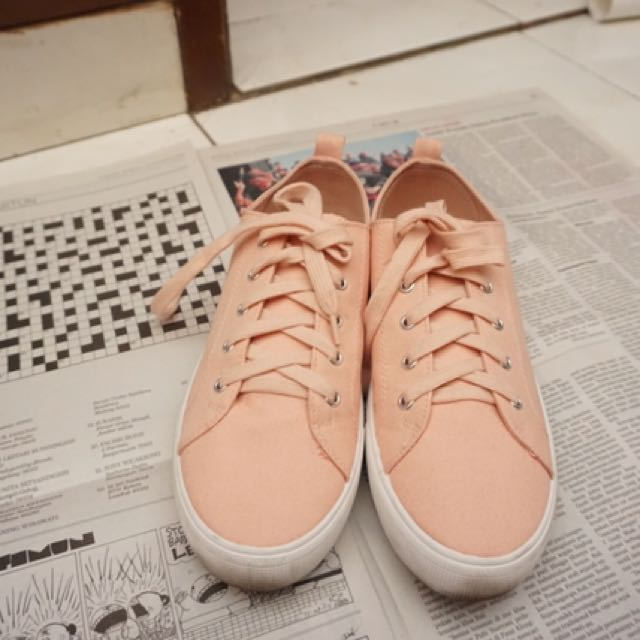 H&M NUDE PINK SNEAKERS