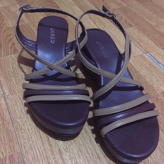 Janeo Wedge Sandals