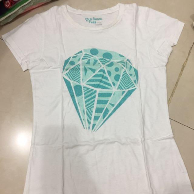 Kaos Berlian Putih