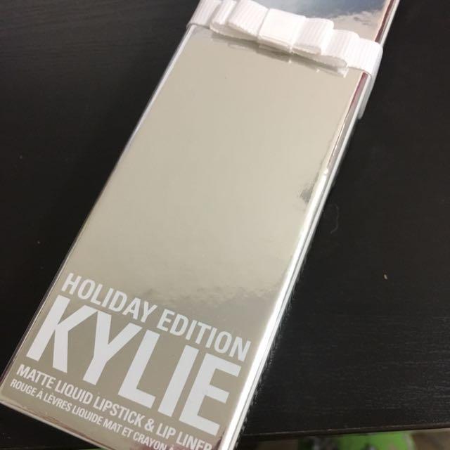 Merry Kylie Lipkit