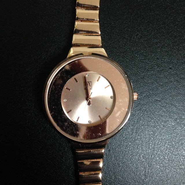 New York & Company Watch