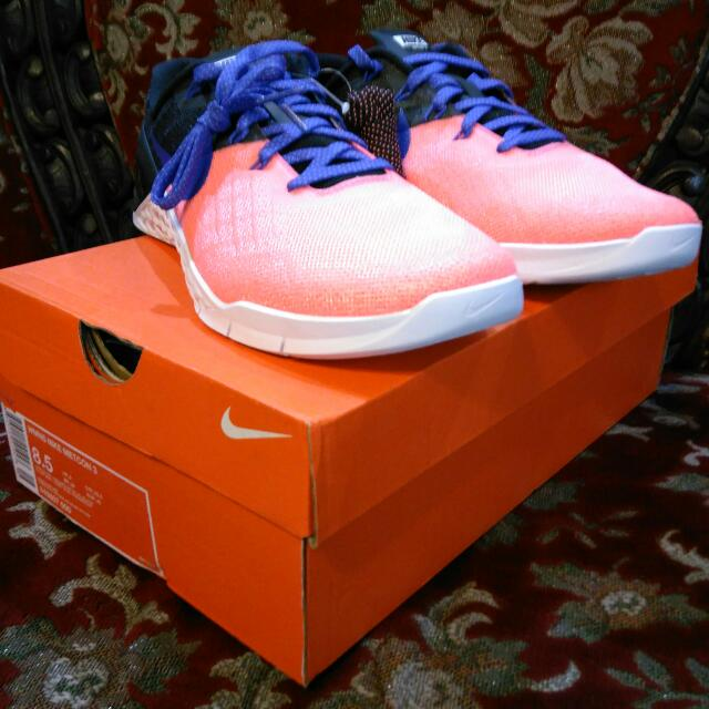 Nike WMNS Metcon 3 Lava Glow Size 8.5