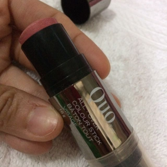Repriced!!!! Quo All-Over Colour Stick