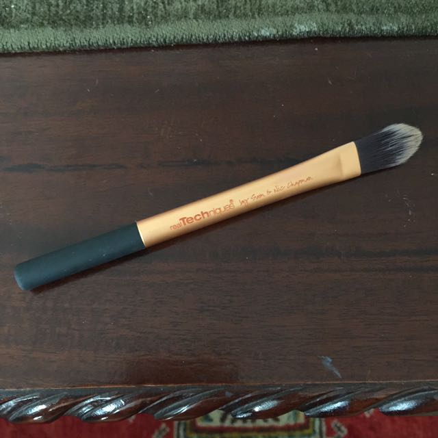 Real Techniques Foundation Brush