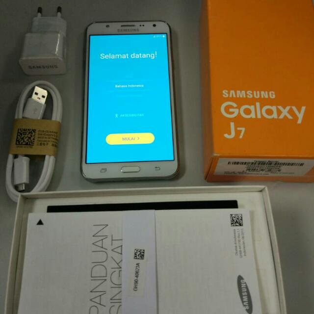 Samsung Galaxy J7 White