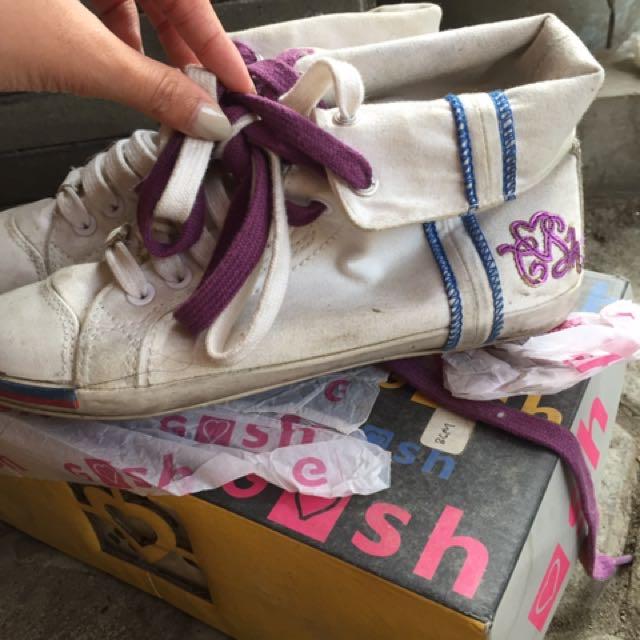 Sepatu GOSH (original)