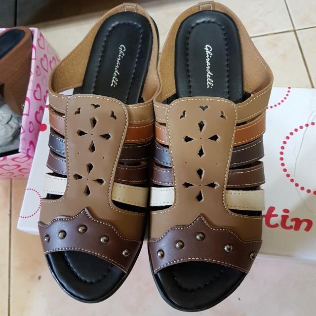 Sepatu Sandal Size 39
