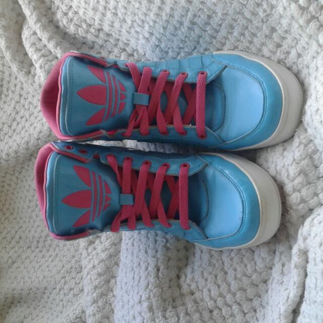 Size 9 Adidas Shoes