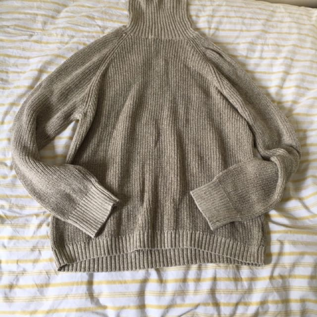 Urban Outfitters Turtleneck