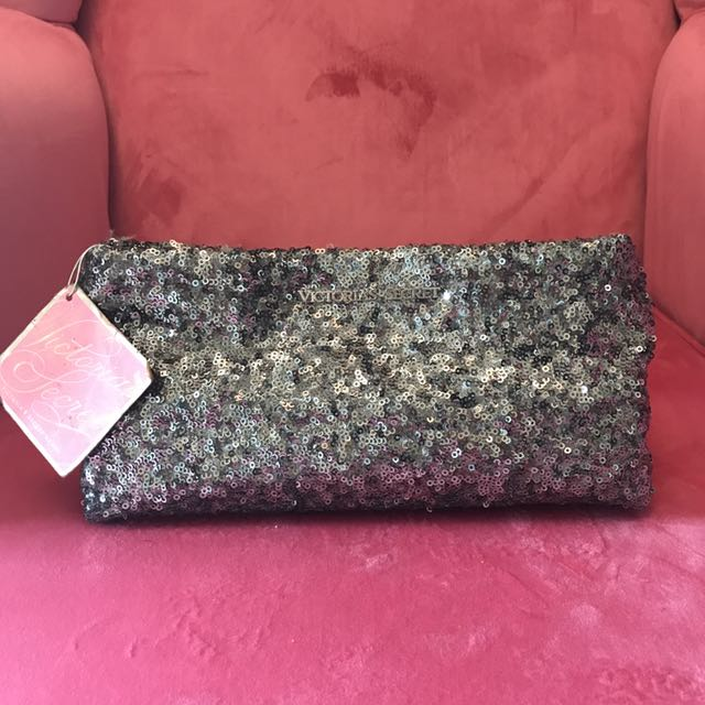 Vs Super Blinky Grey Clutch