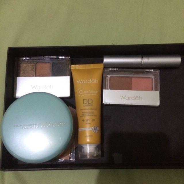 Wardah Makeup Set Ready To Go