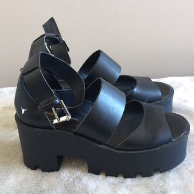 WINDSOR SMITH Puffy Shoes Sandals Black