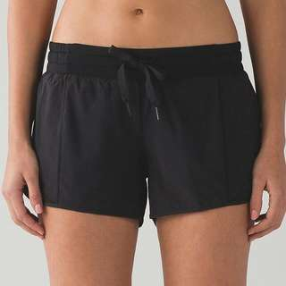 "LOOKING FOR : Lululemon Hotty Hot Short *Long 4"" (Black) (Size 4)"