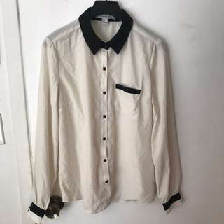 Forever21 Cream Button Up Size M