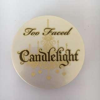 Too faced candlelight illuminating powder