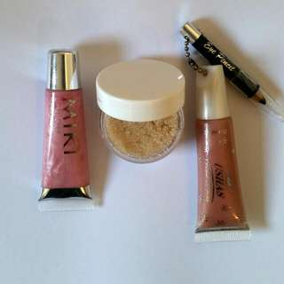 Lip Scrub & Lip Gloss