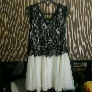 Dress Brokat Formal White Black Mini