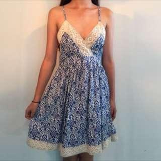 青花瓷花邊洋裝