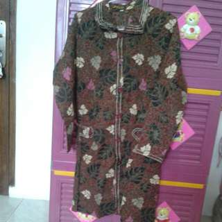 Batik Corak Daun Coklat-Maroon