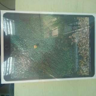 """全新 iPad Pro 10.5"""" 256G 64G WiFi 太空灰"""