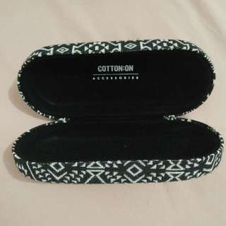 cotton on sunglasses case like new