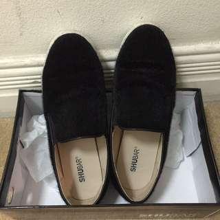 Shubar Slip-on Sneaker