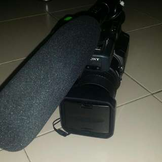 Selling Used Sony Handycam,video Cam,video recorder DSR-PD150P