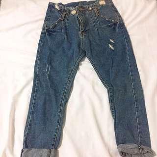 刷破寬鬆牛仔長褲 可反折