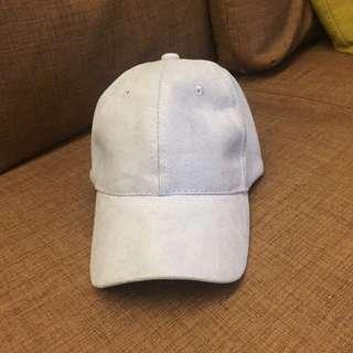 淺藍色麂皮棒球帽