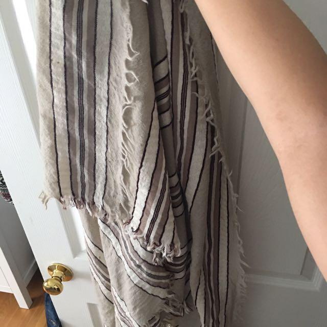 aritzia wool blanket scarf