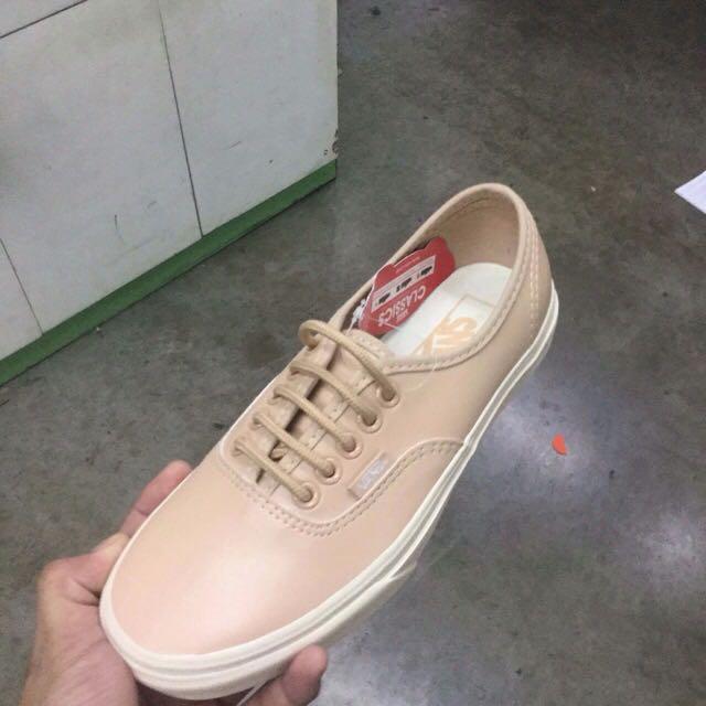 c8e5cf6ac7 Home · Women s Fashion · Shoes. photo photo photo photo