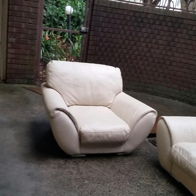 Beige vanilla leather lounge seat cinema chair