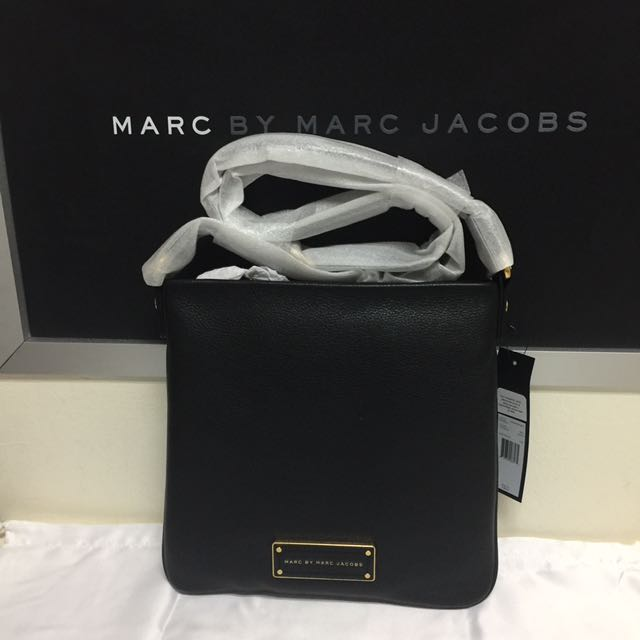 1b7746d271d22 BN Authentic Marc By Marc Jacobs Sia Leather Crossbody Black